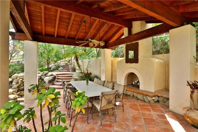 24520 Wingfield Road, Hidden Hills CA: http://media.crmls.org/mediascn/c125f547-1f55-42eb-b959-9e9d7ef693de.jpg