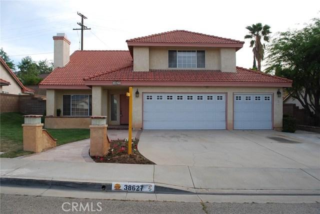 38627 S Desert Flower S Drive, Palmdale CA: http://media.crmls.org/mediascn/c12b04dc-fcd6-42c3-88e1-285d33192259.jpg