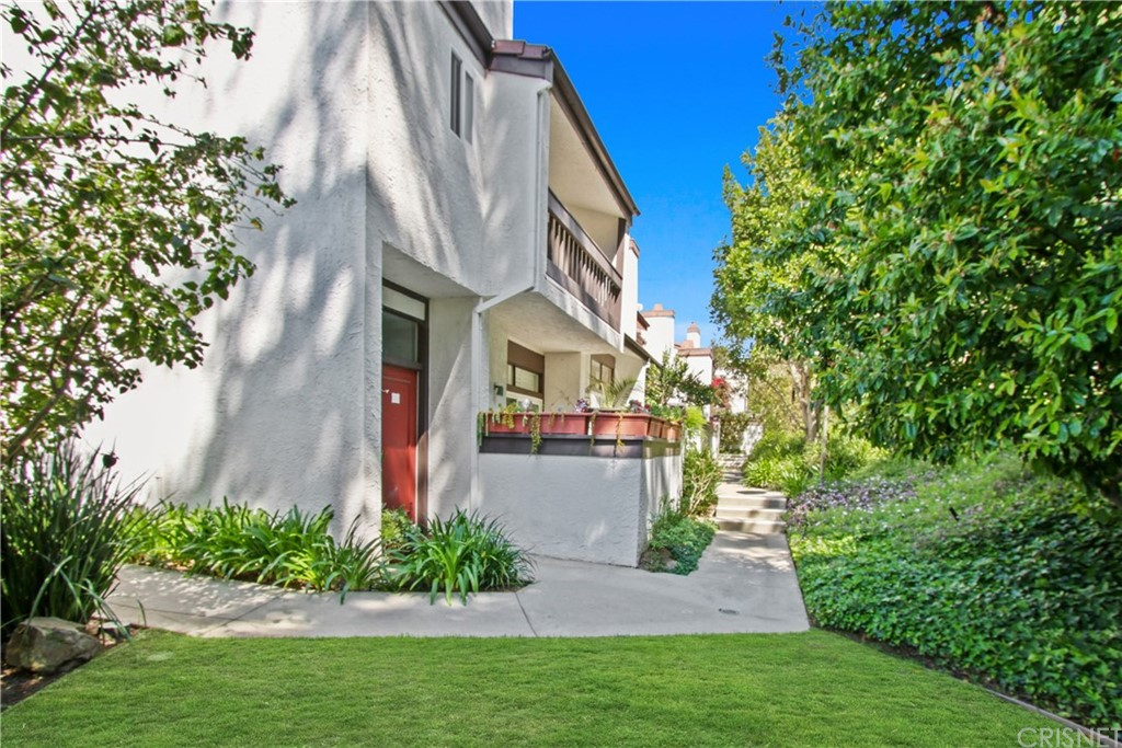 Photo of 17145 PALISADES CIRCLE, Pacific Palisades, CA 90272