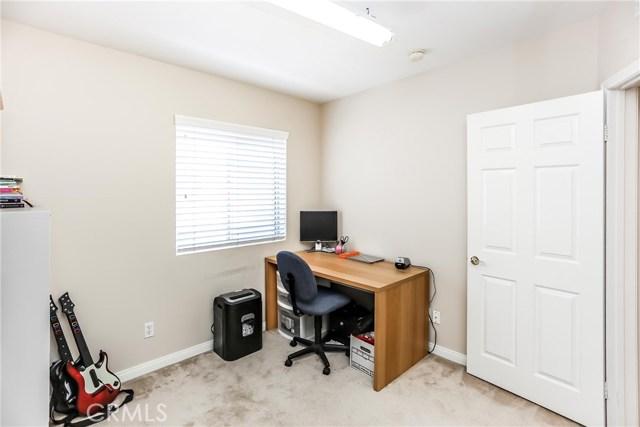 17736 Superior Street, Northridge CA: http://media.crmls.org/mediascn/c1a2835b-7be4-466d-b9e7-a0e622e96a34.jpg