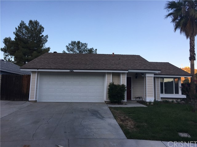 29930 Orchid Cove Drive, Canyon Country CA: http://media.crmls.org/mediascn/c1fc13a8-7ae0-4cb5-9dfe-c84361dbdc53.jpg