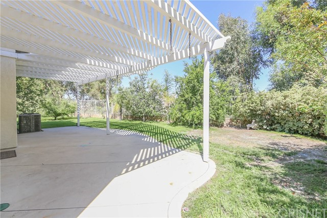 27449 Waynesborough Lane, Valencia CA: http://media.crmls.org/mediascn/c230ff65-9dfe-4423-b179-8564acf6b33d.jpg