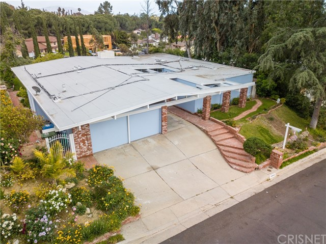 12662 Jimeno Avenue, Granada Hills CA: http://media.crmls.org/mediascn/c2437e0d-ccdc-4553-bca6-5f831aac562f.jpg