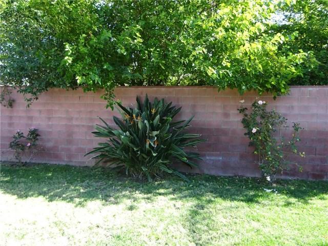 10102 Debra Avenue, North Hills CA: http://media.crmls.org/mediascn/c274caac-7e9b-4fb0-bdf6-0f631c608fe6.jpg