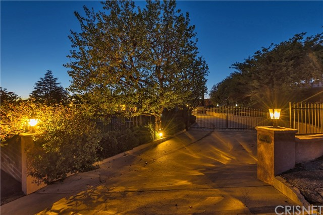 Single Family Home for Sale at 3115 Sycamore Drive 3115 Sycamore Drive Simi Valley, California 93065 United States