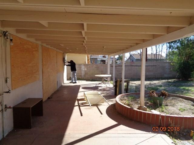 377 W 1st Street, Perris CA: http://media.crmls.org/mediascn/c2d8c90d-5db2-4517-801c-17594970b5d2.jpg