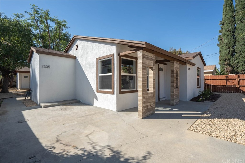 7333 DE SOTO Avenue, Canoga Park, CA 91303