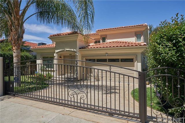Photo of 22137 Avenue San Luis, Woodland Hills, CA 91364