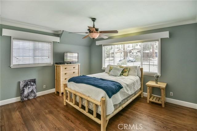 10302 Arnwood Road, Lakeview Terrace CA: http://media.crmls.org/mediascn/c310172e-8f40-4774-985c-c002fbe80174.jpg