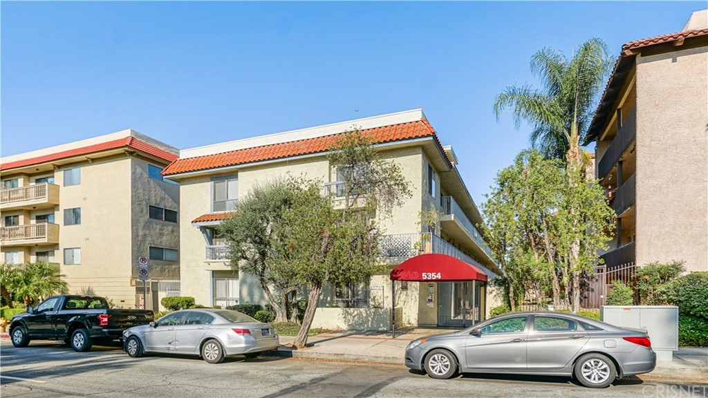 Photo of 5354 LINDLEY AVENUE #206, Encino, CA 91316