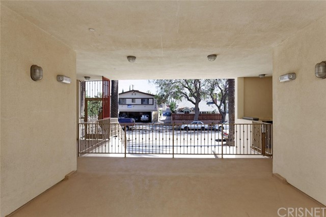 14735 Friar Street, Van Nuys CA: http://media.crmls.org/mediascn/c440c0f6-72f9-4c90-bbba-31e5ccbfd3b7.jpg