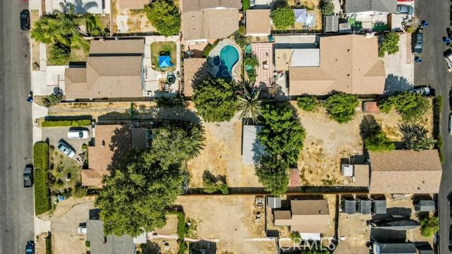 18320 Arminta Street, Reseda CA: http://media.crmls.org/mediascn/c491f198-65fb-47db-b09e-c73ff52f2575.jpg