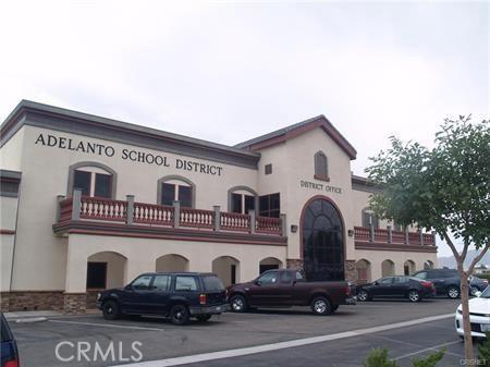 11275 Palmdale Road, Adelanto CA: http://media.crmls.org/mediascn/c4ed2e41-4fe7-4aa9-89fb-e12cfb4915d6.jpg