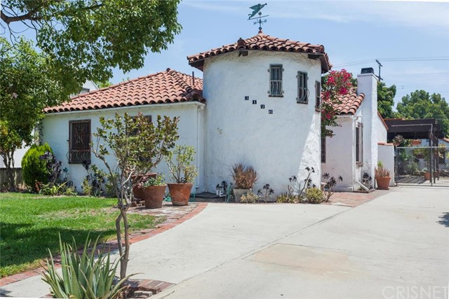 5126 Willowcrest Avenue, North Hollywood, CA 91601