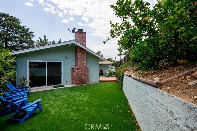 5000 Lauderdale Avenue, La Crescenta CA: http://media.crmls.org/mediascn/c56930b8-1c77-41c1-8e0b-a951ad517384.jpg