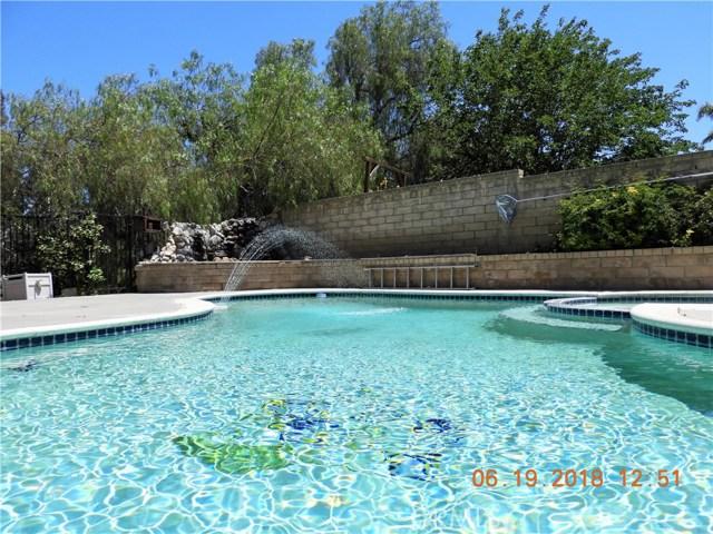 22906 Sycamore Creek Drive, Valencia CA: http://media.crmls.org/mediascn/c5c8a92a-53c9-405c-b9ed-163ca111dfe1.jpg