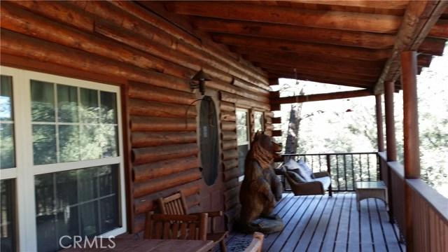 1901 Bernina Drive, Pine Mtn Club CA: http://media.crmls.org/mediascn/c5f51994-4cbc-4dd1-a2cd-133c81f7826f.jpg