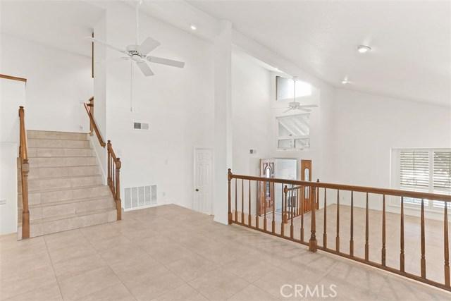 23600 Blythe Street, West Hills CA: http://media.crmls.org/mediascn/c608aaf2-73ba-48af-8787-192f5afe4d49.jpg