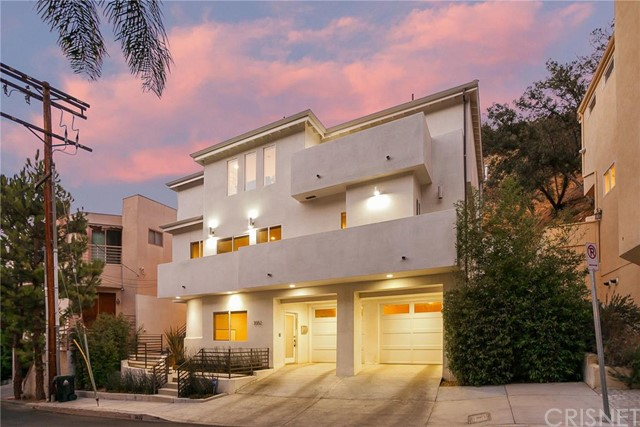 Single Family Home for Rent at 3552 Dixie Canyon Place Sherman Oaks, California 91423 United States