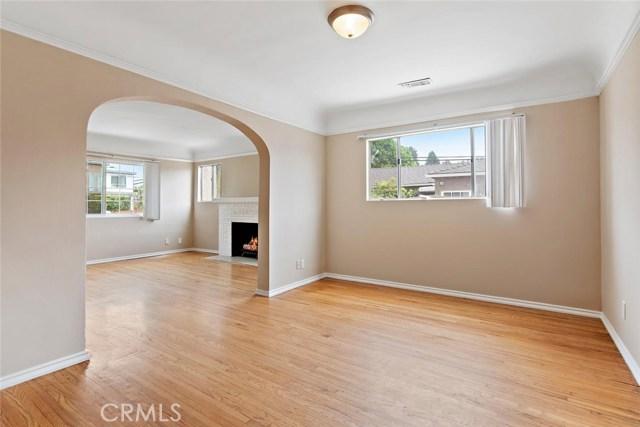 721 N Orange Grove Avenue, Los Angeles CA: http://media.crmls.org/mediascn/c6511e2e-d468-43b6-b0ad-58d202be3a3f.jpg