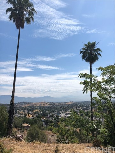 4315 Tourmaline Street, Los Angeles CA: http://media.crmls.org/mediascn/c68fe722-7885-45b4-9a30-60a7b8e6a2e0.jpg