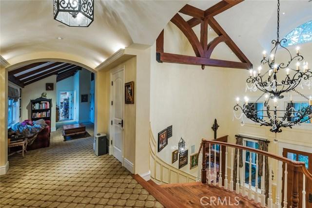 19115 Charles Street, Tarzana CA: http://media.crmls.org/mediascn/c6b9f39c-02d2-46a4-93f8-87449dd52436.jpg