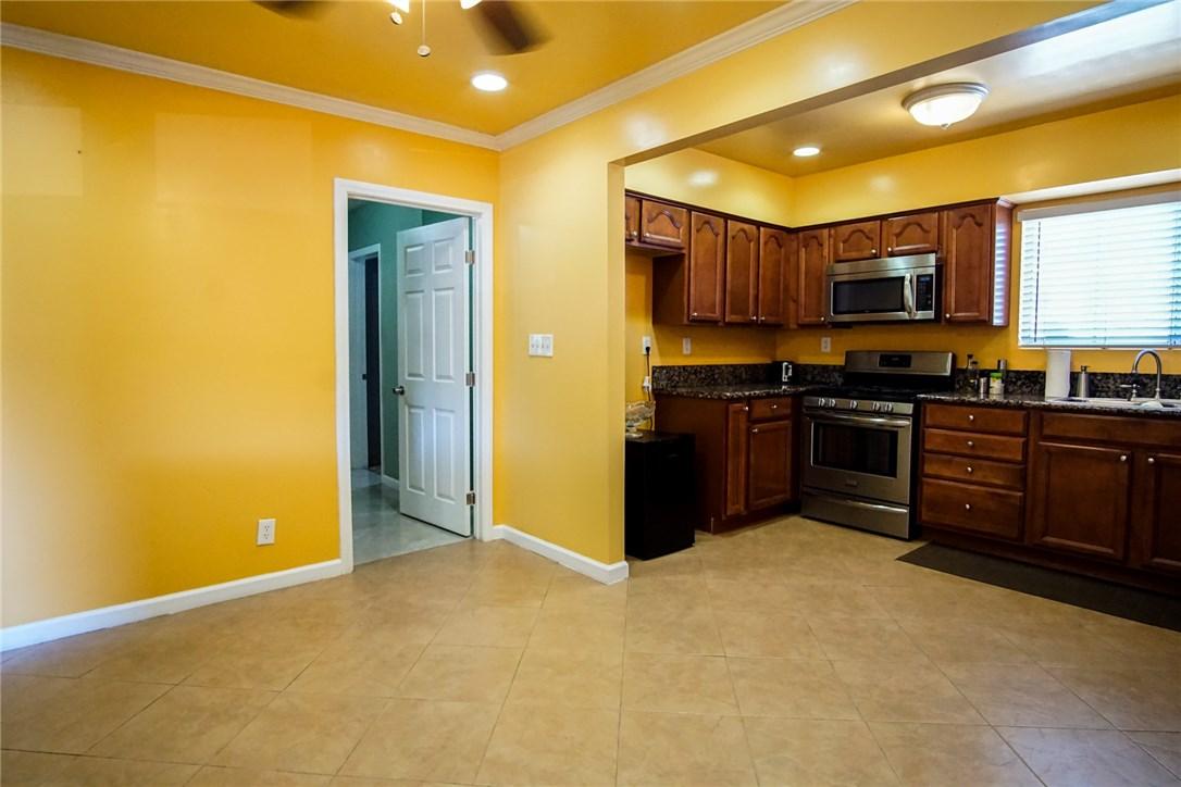 13059 Dronfield Avenue, Sylmar CA: http://media.crmls.org/mediascn/c7241d86-bda4-42ce-851c-df1102b1b3e7.jpg