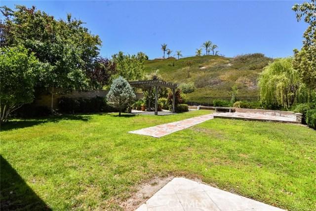 23813 Rio Ranch Way, Valencia CA: http://media.crmls.org/mediascn/c739398d-c354-4ccd-854e-b365026d74e3.jpg