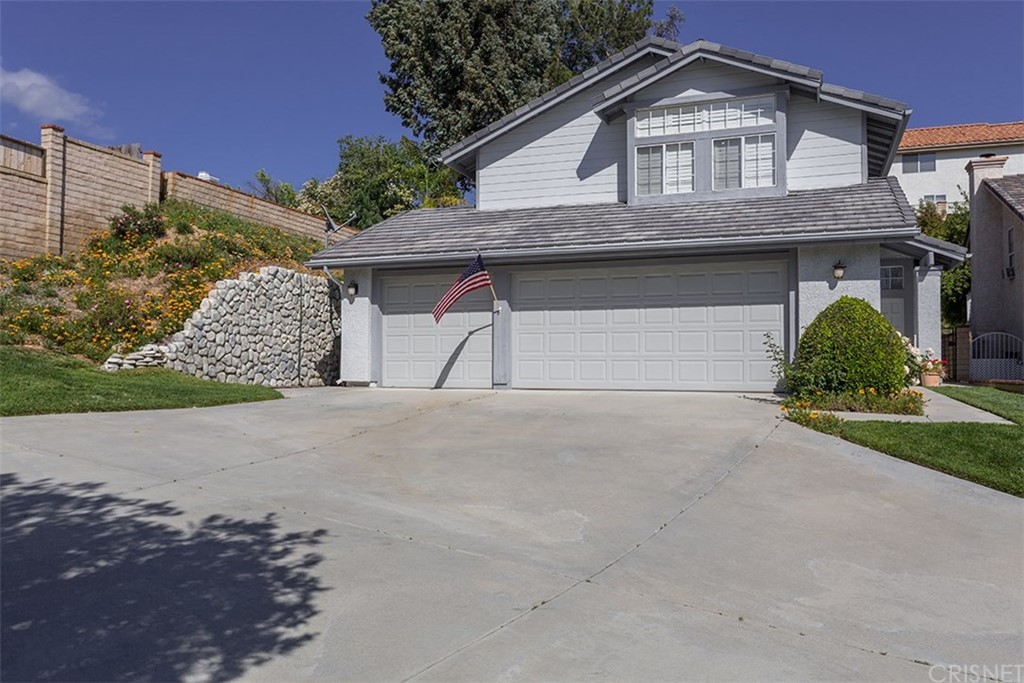 Property for sale at 27672 Taryn Drive, Saugus,  CA 91350