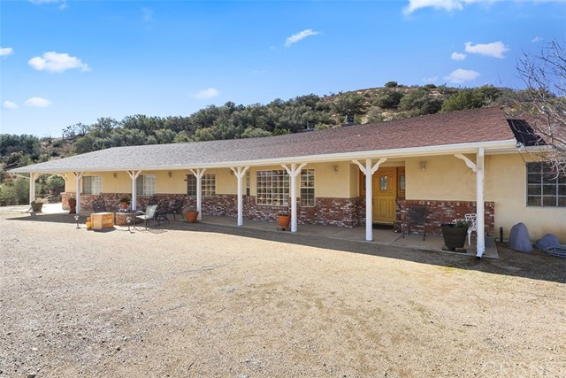 Detail Gallery Image 1 of 1 For 6354 Sierra Hwy, Agua Dulce,  CA 91390 - 4 Beds | 3 Baths