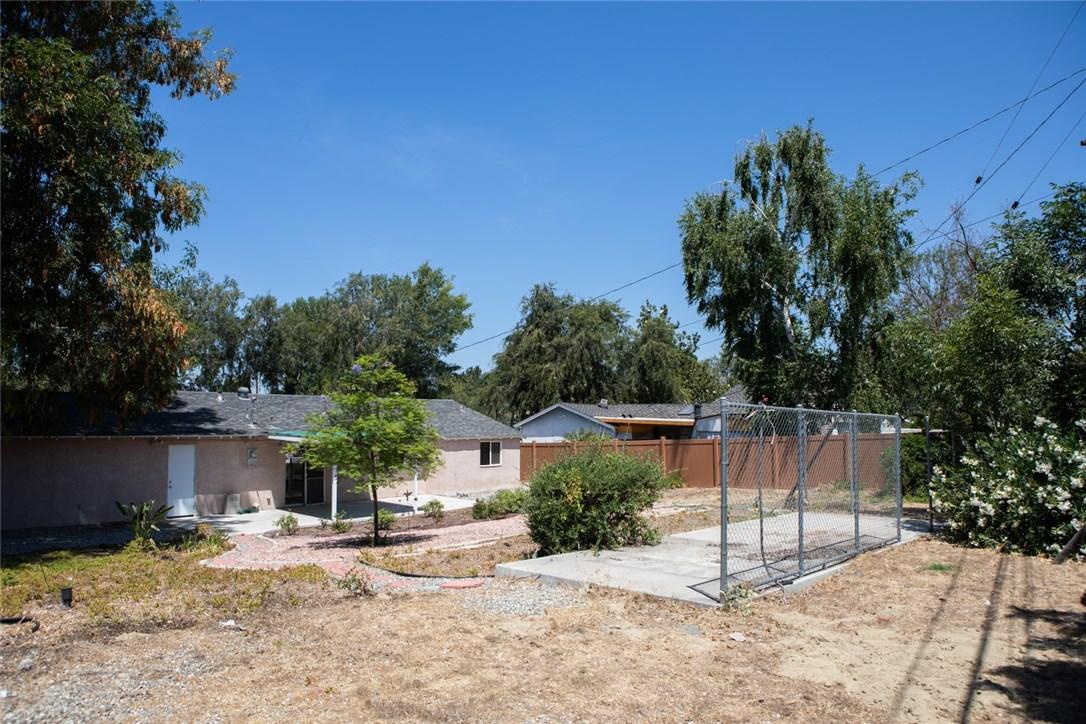2526 Avenida De Las Plantas, Thousand Oaks CA: http://media.crmls.org/mediascn/c792c807-8b20-4a05-823e-57e407894da8.jpg