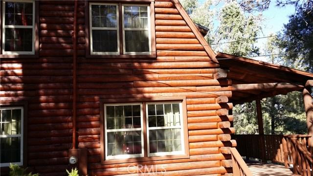 1901 Bernina Drive, Pine Mtn Club CA: http://media.crmls.org/mediascn/c79c9c7f-fe20-4865-b7ed-f3af65b747df.jpg