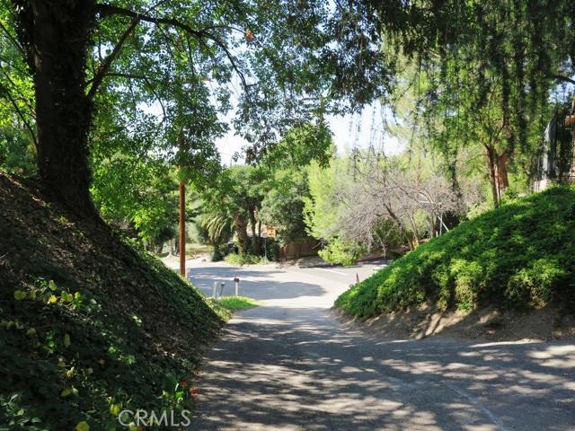22480 Cass Avenue, Woodland Hills CA 91364
