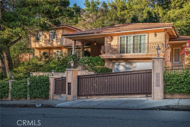 16677 Calneva Drive, Encino CA 91436