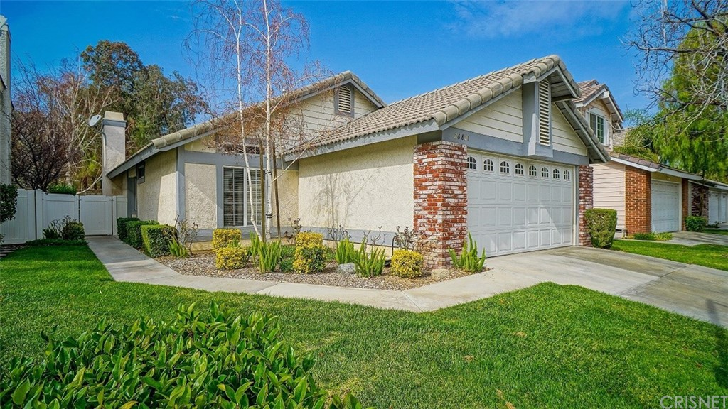 Property for sale at 26821 Hummingbird Circle, Canyon Country,  CA 91351