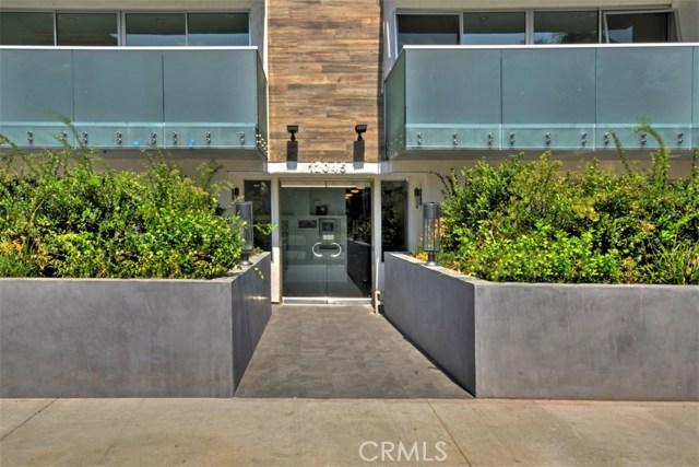12045 Guerin Street, Studio City CA: http://media.crmls.org/mediascn/c7d641a8-0c63-48b9-a466-86ed682a424b.jpg