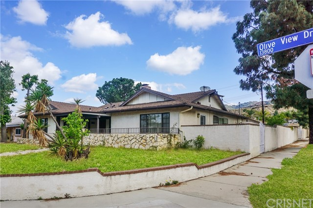 13841 Olive View Dr, Sylmar, CA 91342 Photo