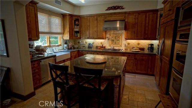 25854 Shady Oak Lane, Valencia CA: http://media.crmls.org/mediascn/c7e87f93-0c09-4b5c-ad2e-d83eb271b7a0.jpg