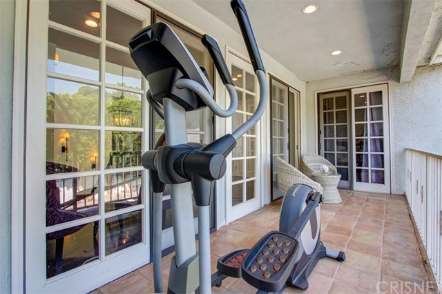 9016 White Oak Avenue Sherwood Forest, CA 91325 - MLS #: SR18139421