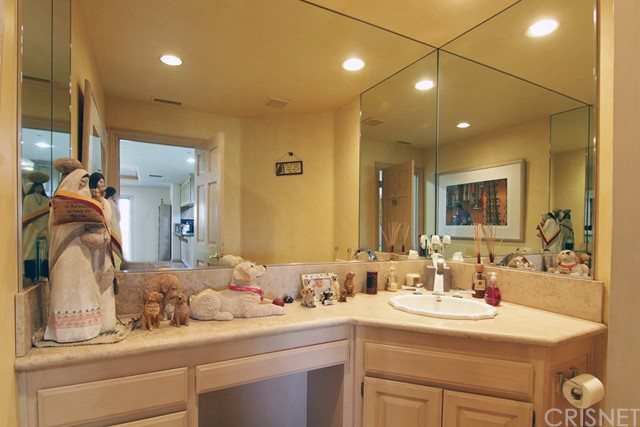 Additional photo for property listing at 33 Saddlebow Road 33 Saddlebow Road Bell Canyon, California 91307 United States