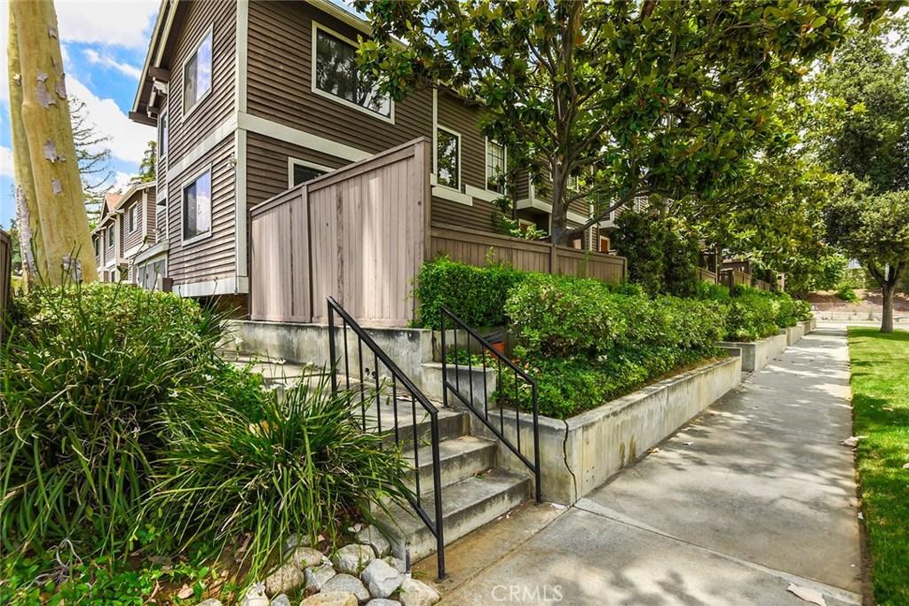 309 N HOLLISTON Avenue 4, Pasadena, CA 91106