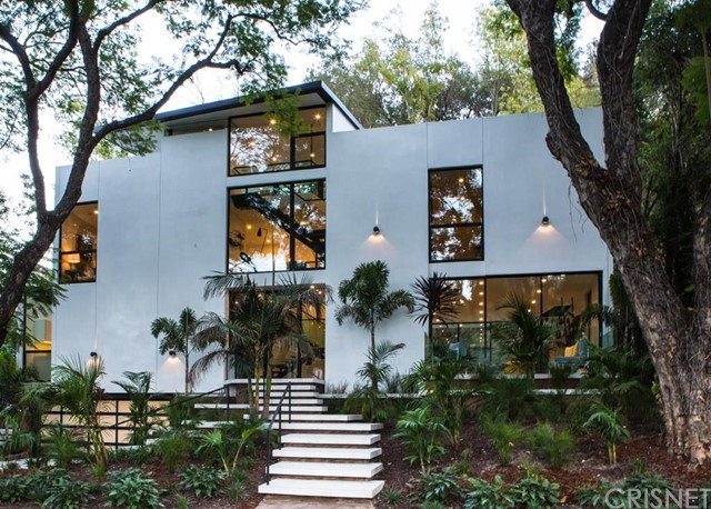 4000 Stansbury Avenue, Sherman Oaks, CA 91423