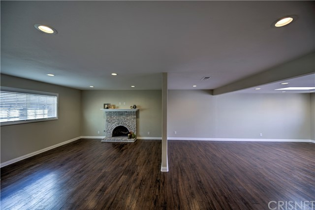 43743 Fern Avenue, Lancaster CA: http://media.crmls.org/mediascn/c8aeb92b-9f7d-45d0-9988-22f4413a7cb5.jpg
