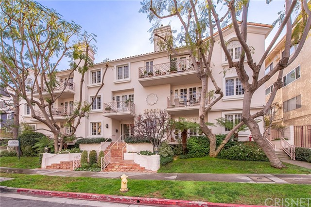10630 Eastborne Avenue 305  Los Angeles CA 90024