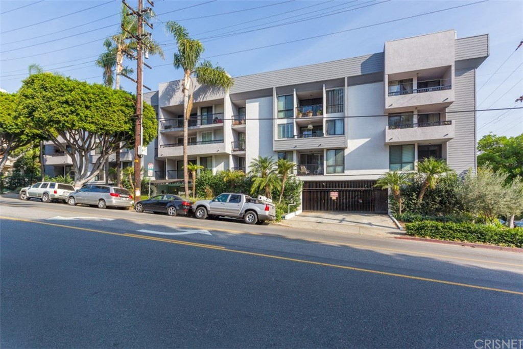 906 N DOHENY Drive 305, West Hollywood, CA 90069