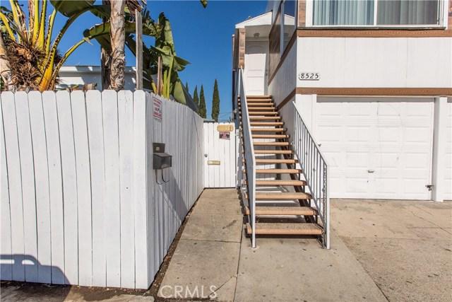 8601 W Cadillac Avenue, Los Angeles CA: http://media.crmls.org/mediascn/c95a1032-c5e0-423d-b430-c16bcce9765e.jpg