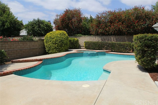 25735 Lochmoor Road Valencia, CA 91355 - MLS #: SR18122849