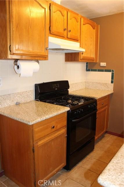 10502 White Oak Avenue, Granada Hills CA: http://media.crmls.org/mediascn/c9b4e1a4-c133-4f3a-8e7b-61643792e4dc.jpg