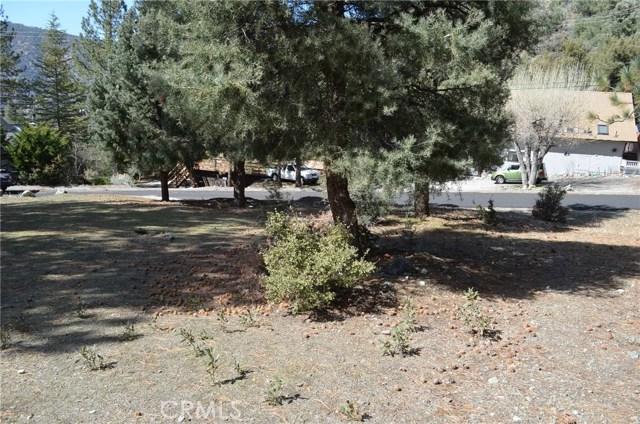 1917 Poplar Way, Pine Mtn Club CA: http://media.crmls.org/mediascn/c9ba122f-f064-42f1-9bfb-fddca30fb03e.jpg