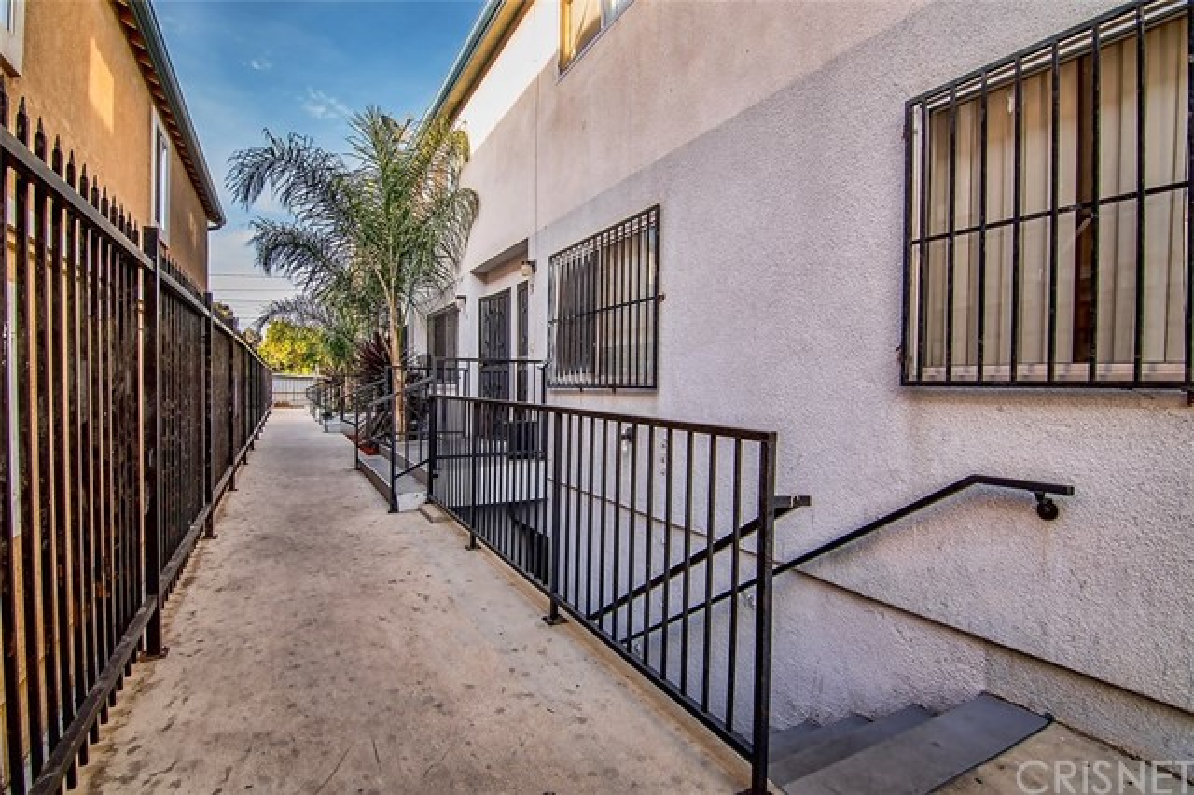 2315 W 54th St, Los Angeles, CA 90043 Photo 6